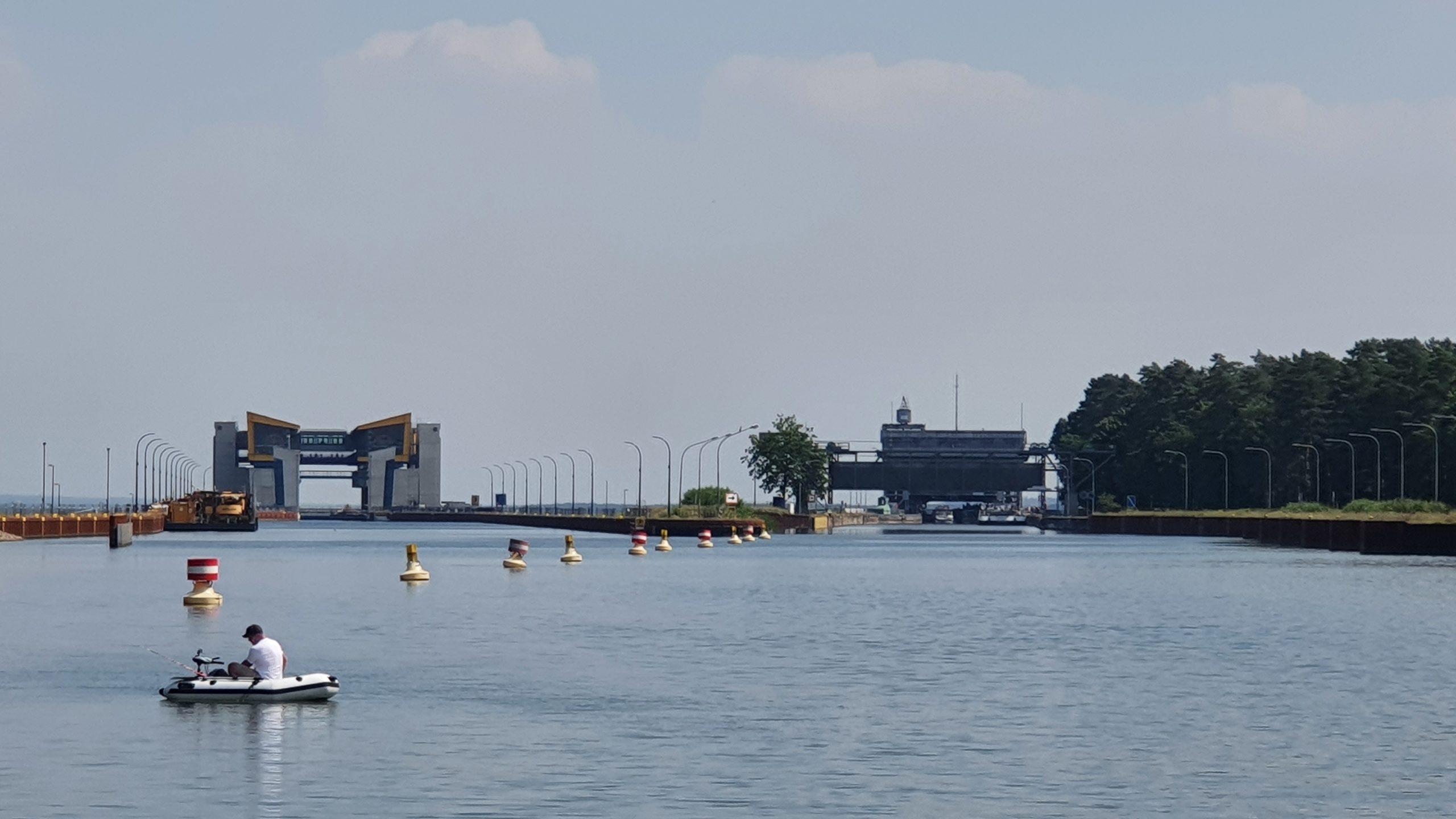 Schiffshebewerk Niederfinow – Neu und alt
